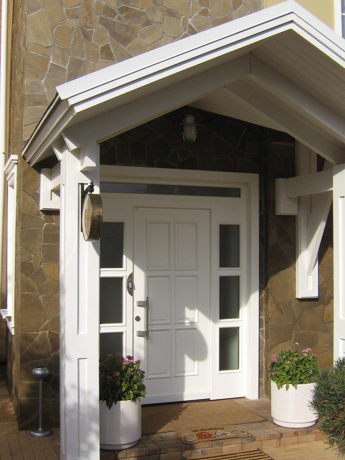 эксклюзивные входные двери в загородный дом от производителя